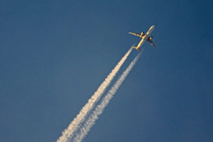 A Boeing 777 overflying Adelaide Airport.